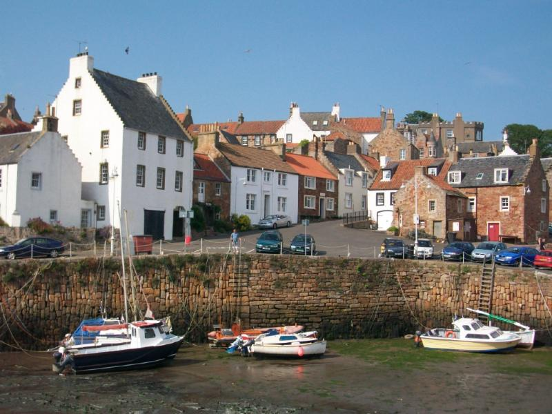 One of the many picturesque fishing villages easily visited from Kirkcaldy