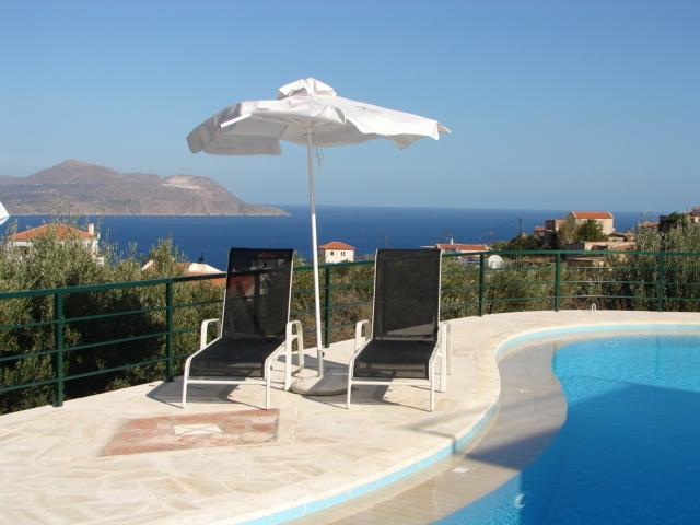 Villa Venus pool and views