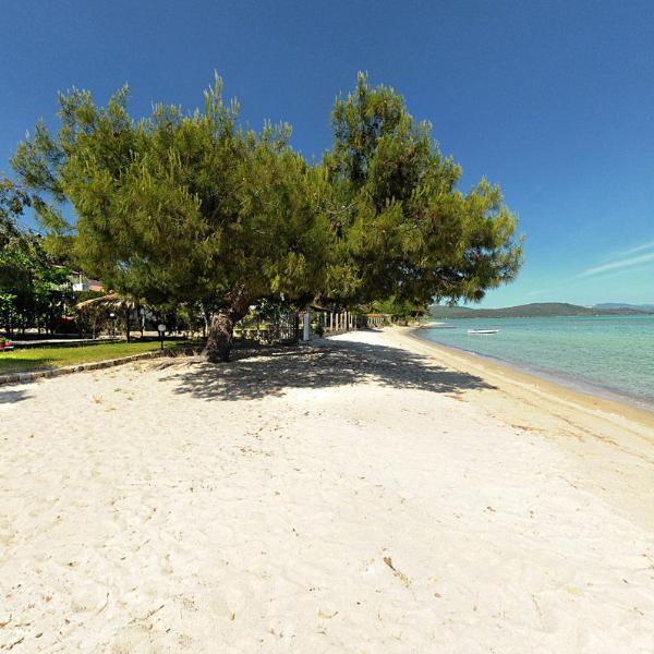 Kamares House Beach