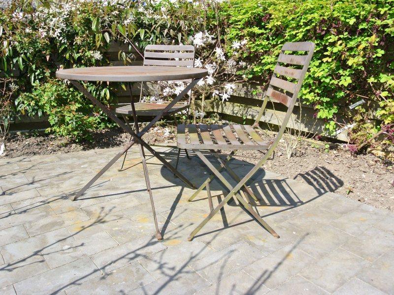 Sun-trap feature courtyard garden ideal for outside entertaining