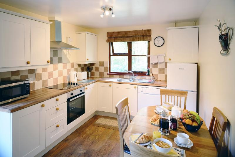 Eversleigh Lodges Beech Lodge, holiday rental in Kingsnorth
