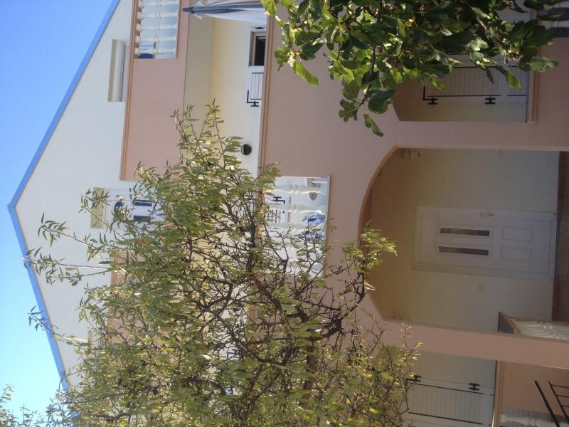 Zadar family apartment, holiday rental in Petrcane