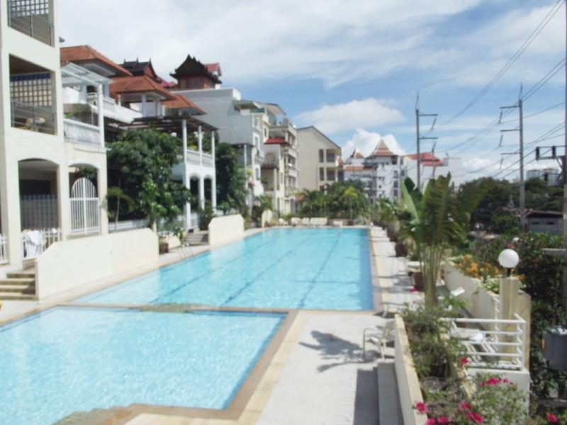 Grosvenor Luxury Apartments, holiday rental in Pattaya