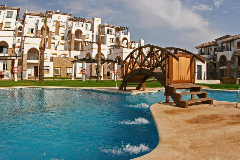 2 Bed Apartment with pools, vacation rental in Vera