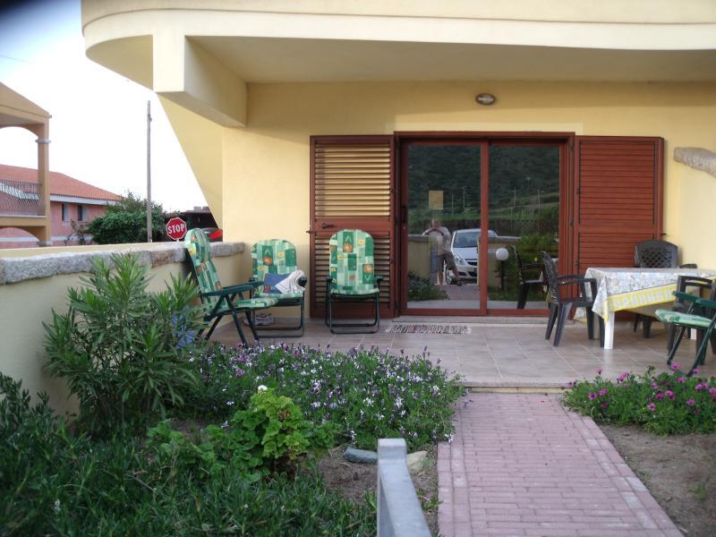 Apartment Irlanda, vacation rental in Valledoria