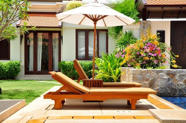 Sunbeds with Garden Suite behind