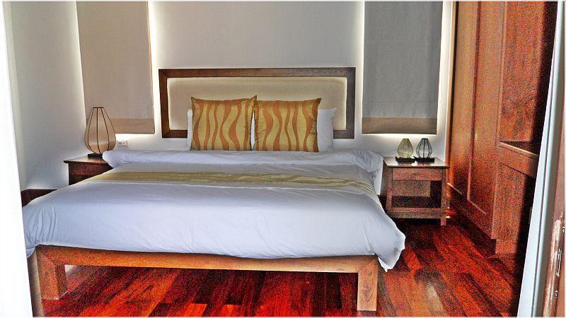 King sized Bedroom 3