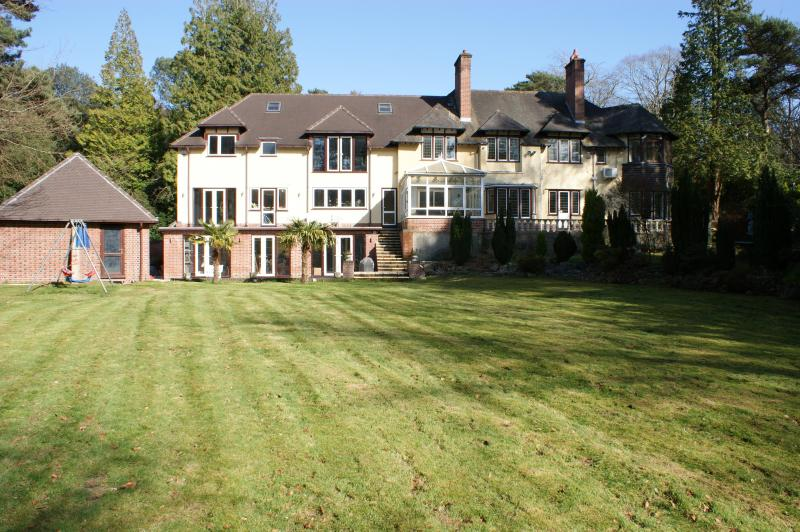 Burton Manor the Ultimate Location In Bournemouth