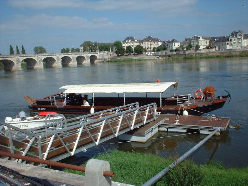 Tour boat just opposite the theatre in Saumur, Takes you for a trip on the river to enjoy the views