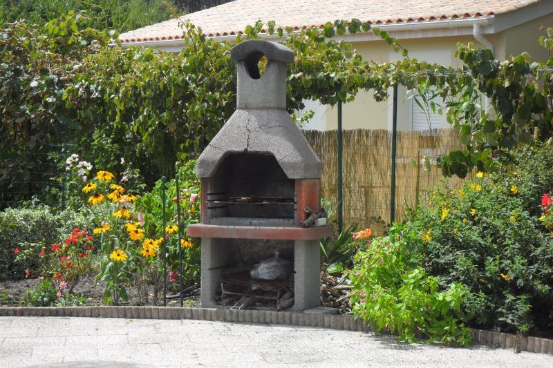 espace extérieur barbecue