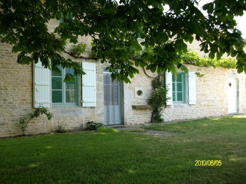 Sunney Side, vacation rental in Limalonges