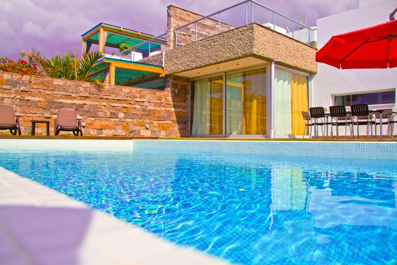 Villa Del Duque heated pool – semesterbostad i Adeje