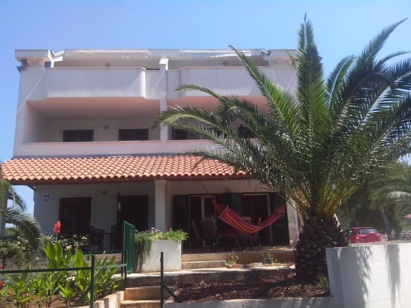 C2-Goran (2 +2), holiday rental in Milna