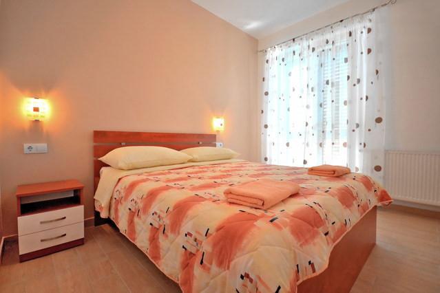 Bedroom 2 of AP 4+1 West