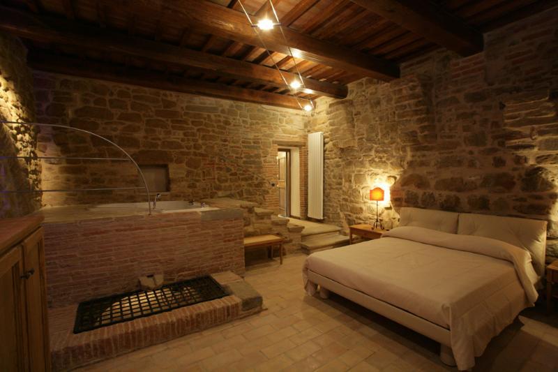 Casa del Levriero - Bedroom Detail