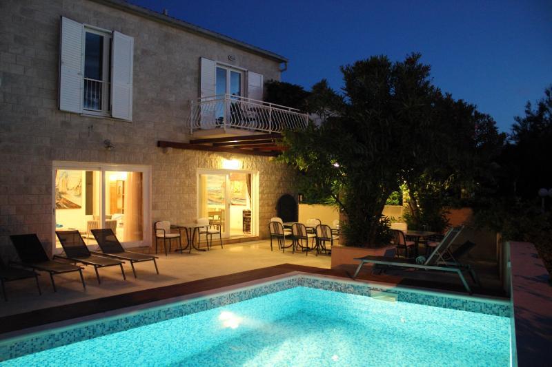 Villa Mirca with swimming pool and seaside terarce