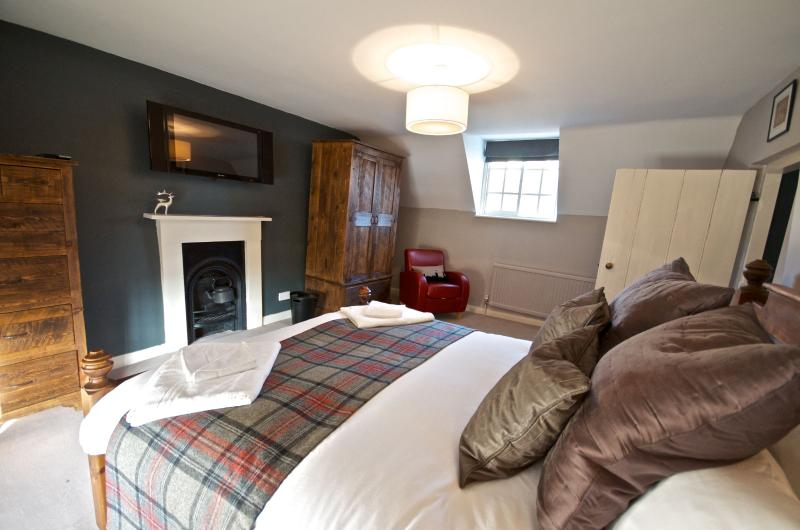 Luxuriously Restored Self-Catering English Cottage, vacation rental in Burythorpe