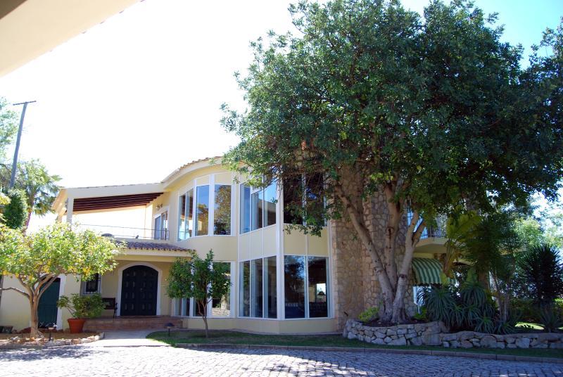 Front of Villa Alfontes