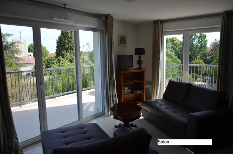 Appartement standing 4 ****, vacation rental in Saint-Remy-de-Provence