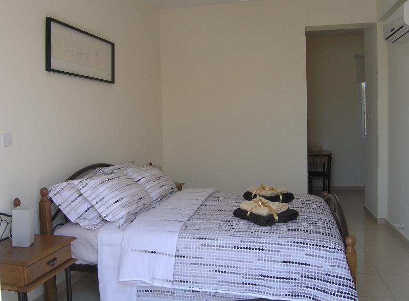 Master Bedroom with en-suite & dressing area.