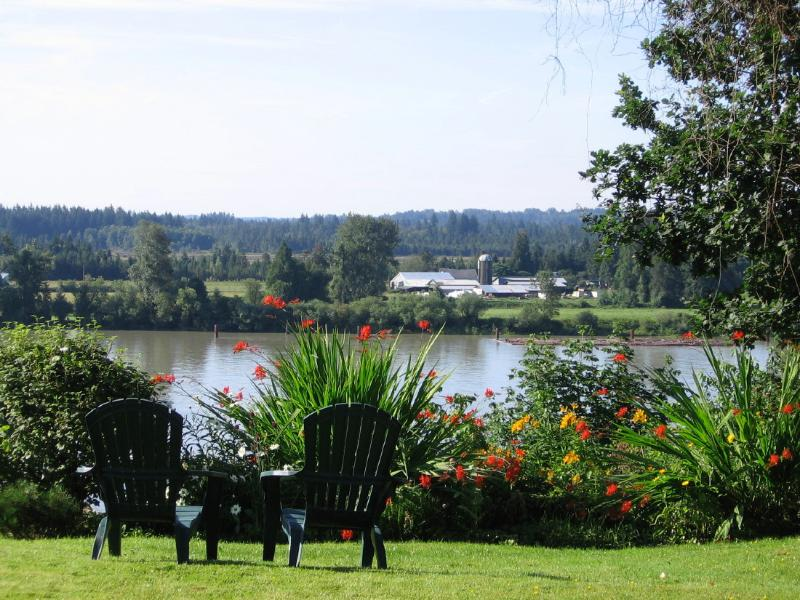 Fraser Riverview Seide room, alquiler de vacaciones en Langley City