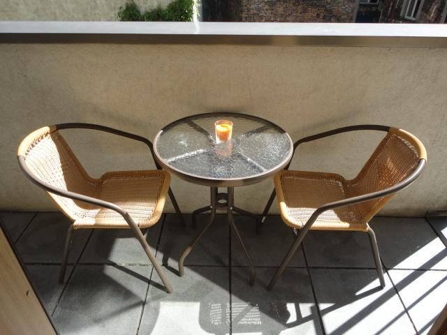 Table de balcon & chaises