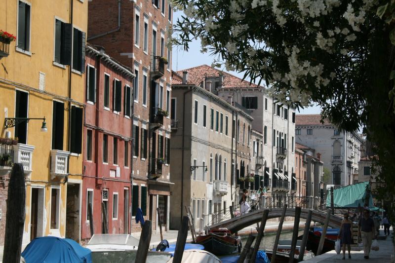Holiday apartment Dorsoduro Venice, vacation rental in City of Venice