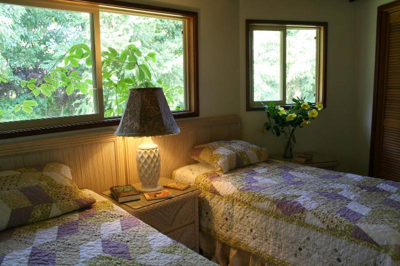 Kolea Cottage Twin Bedroom