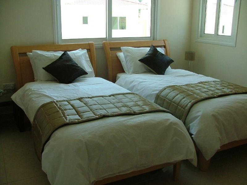 Gold Bedroom with en suite shower room
