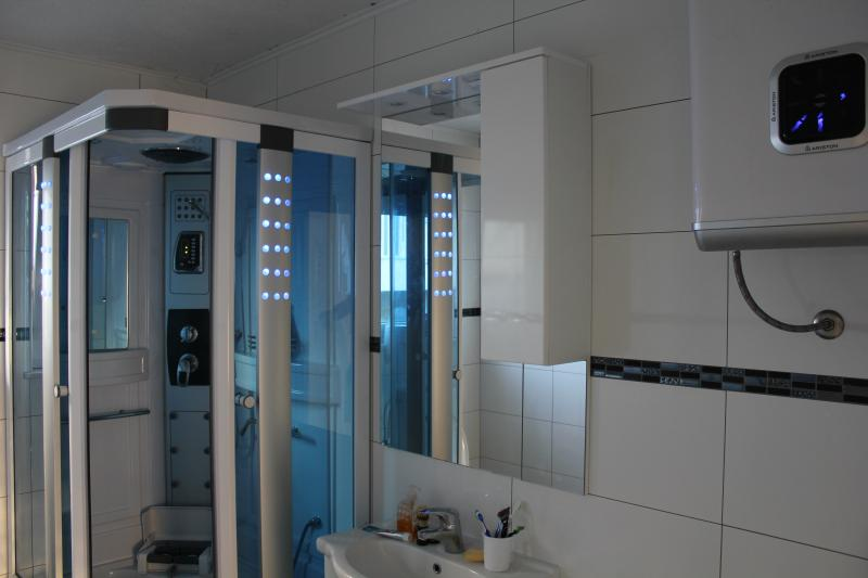 Shower with Sea view