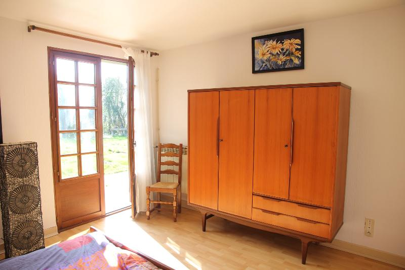 same bedroom with view on the terrace