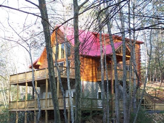 Mountain Lair-Hot Tub, Riverfront, Game Room, Pet Friendly, WIFI, Fire pit, Gas, holiday rental in Grassy Creek
