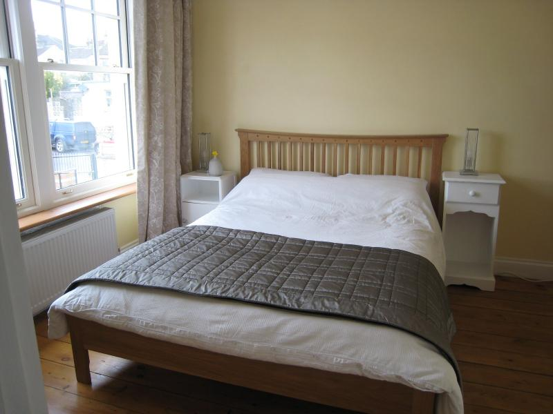 Guest bedroom with kingsize doublebed