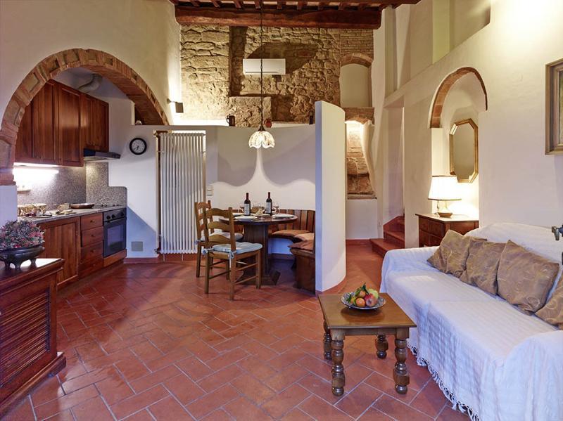 La Cisterna - Weingut Podere Cortilla, vacation rental in Volterra