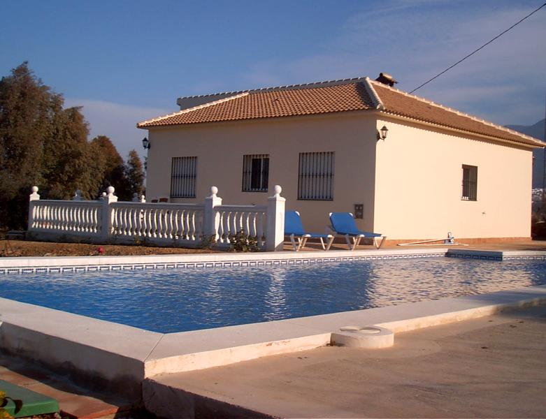 Villa Sunseeker sun terrace with pool