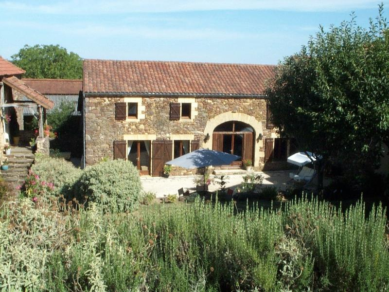 A beautifully renovated 4 bedroom barn conversion, holiday rental in Saint Pompon