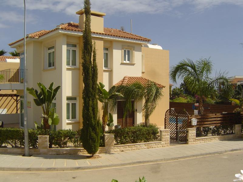 ARTEMIS VILLA, holiday rental in Protaras