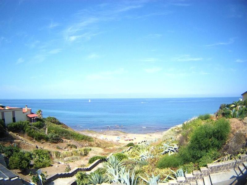 Spiaggia fronte casa 70 metri - Beach front house 70 meters