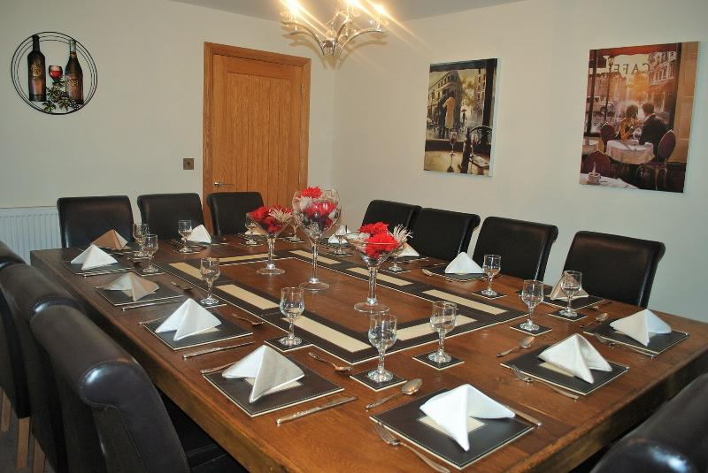 Dining room seats 14