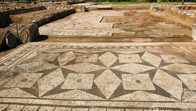 Visit the Roman Ruins of Cerro da Vila in Vilamoura, just a short walk away.