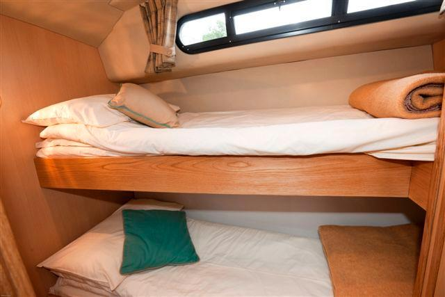 Twin bunks, ideal for the kids!