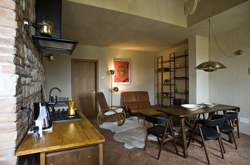 TUSCANY FOREVER RESIDENCE VILLA FAMIGLIA No.4 FIRST FLOOR APARTMENT