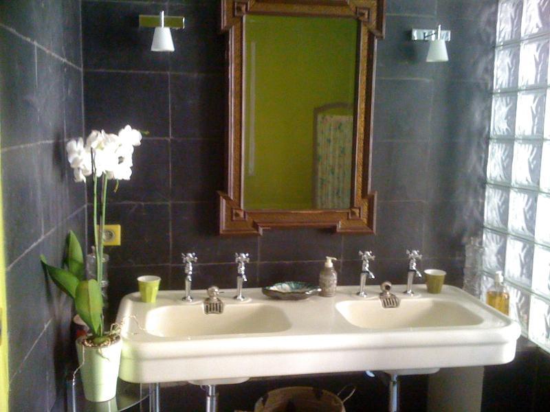 bath comfort room