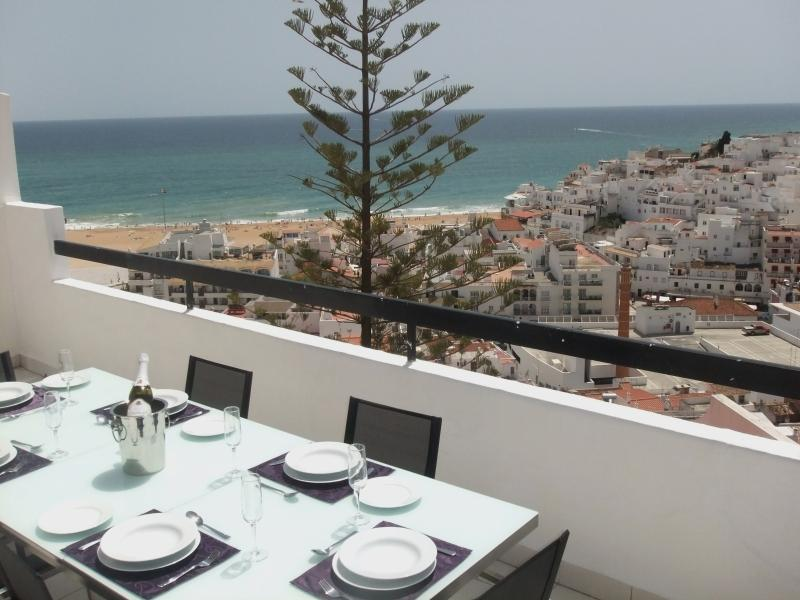Alfresco dining with heavenly views