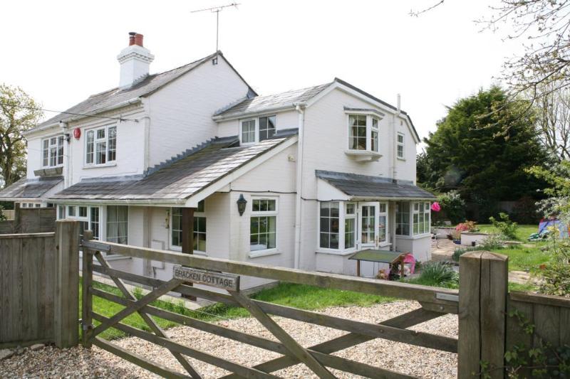 Bracken Cottage, holiday rental in Boldre