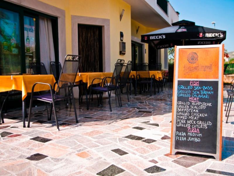 Kastelanski Dvori, location de vacances à Kastel Novi