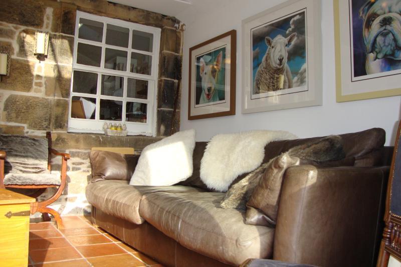 dobras de sofá de couro para fora para a cama dupla