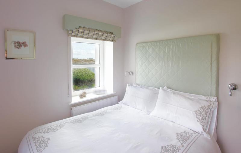 Aoibhneas Master Bedroom