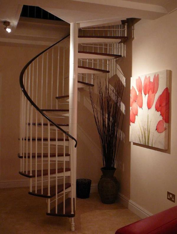 Fonctionnalité, escalier en colimaçon dans Moonlight appartement, Durham