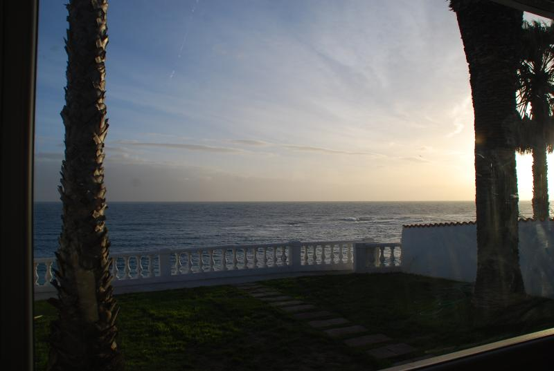 Vistas al mar desde el mirador del salón